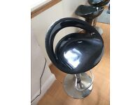 Black stool + 3 good condition no room in my kitchen