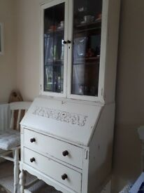 Lovely shabby chic solid wood bureau/dresser