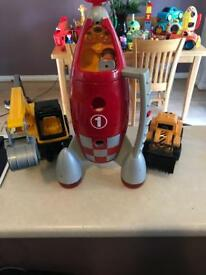 Early learning rocket with two diggers