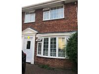 4 bed semi det house to rent or Near train station ,town center , local amenities