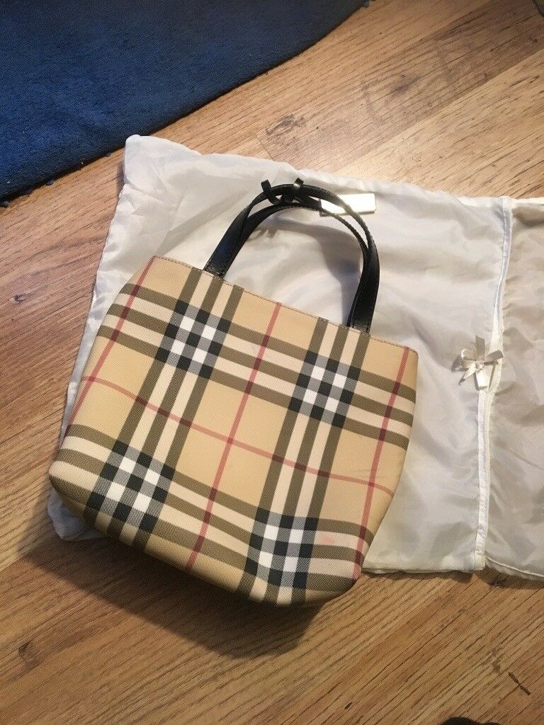 Women s Outlet Burberry Bag (Authentic)   in North Finchley, London ... 1d94b02e12