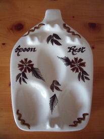 Vintage retro (1960's-70's?) Toni Raymond Pottery, England hand painted spoon rest. £5 ovno