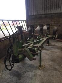 Dowdswell auto reset plough