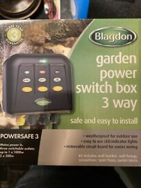 """Blagdon garden power switch box """"POWERSAFE 3""""-3 way switch"""