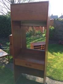 Solid wood vanity unit
