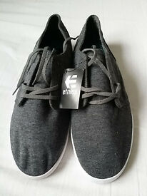 Etnies 'Lurker Vulch' Black/Grey Shoes (Size 8) - *MINT CONDITION*