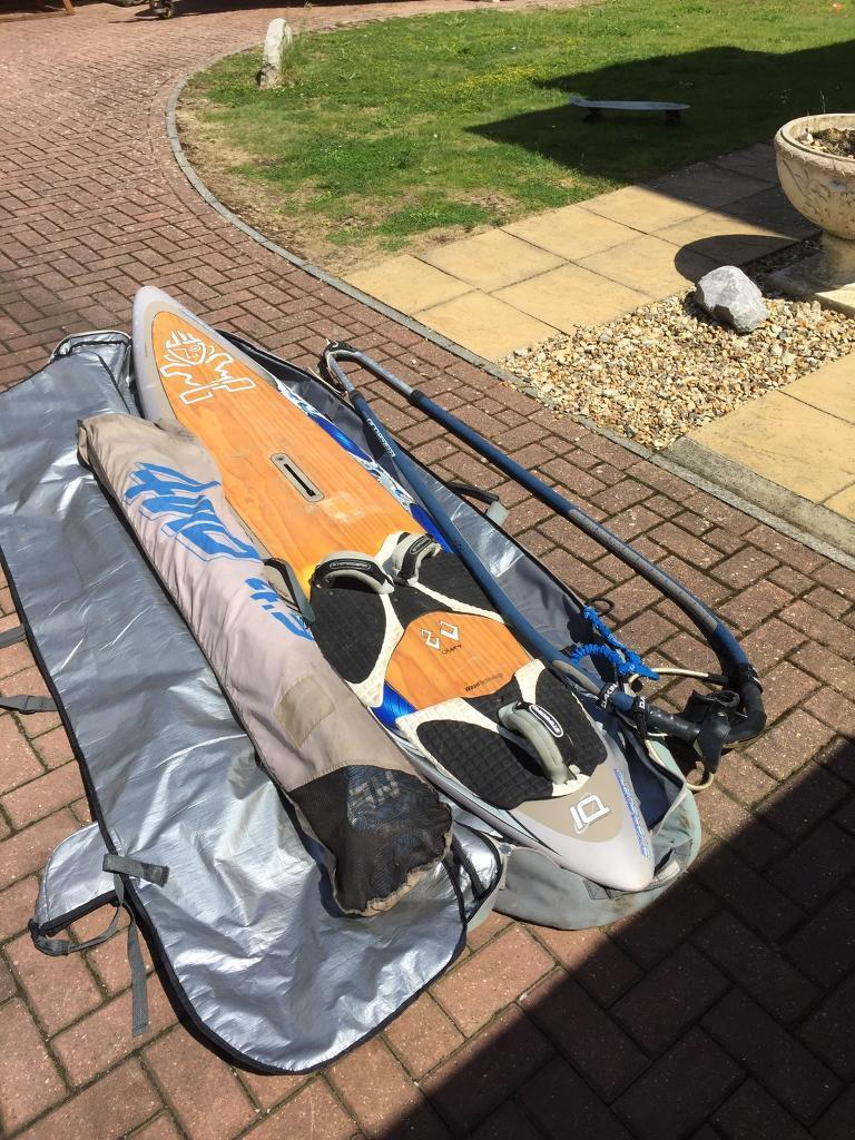 Windsurfing board starboardin Portland, DorsetGumtree - Starboard IQ wood technology windsurfing board £175 o.n.oBoard alone is £1000 newComes with sail, boom and bag. No mast included.Has some minor dings as to be expected Its a 80ltr 9ft board, no fin