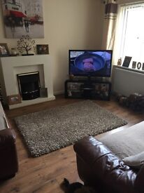 Double room to rent in llanrumney lovely family home