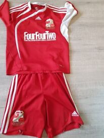Old Swindon Town home kit