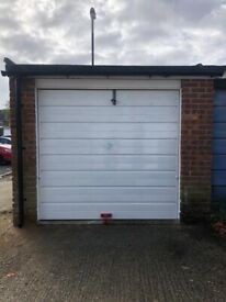 Garage to rent - BASINGSTOKE