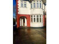 2 Bed Ground floor flat with Garden in Kingsbury-DOREEN AVENUE @ NW9
