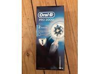 Oral B Pro 2000 electric toothbrush