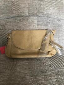 Henley hand bags