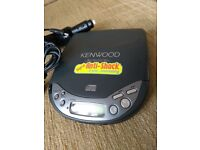 Portable CD player - Kenwood DPC-371.