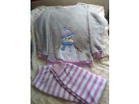 Girls pyjama size 10-11 yrs/146 cm snowman BNWT
