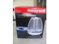 Honeywell Pure Hydration Ultrasonic Humidifier - boxed with instructions