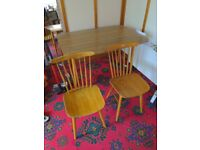 Dining table (extendable) and two chairs