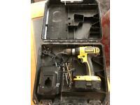 Dewalt 18 Volt Cordless Drill Kit