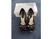 New Look Size 7 Black Wedge Sandals