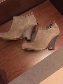 Suede wedge heel size 5 boots