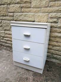 Bed side cabinet for free