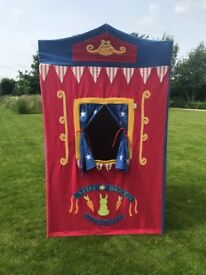 Win Green Children's Theatre Play Tent, Excellent Condition.