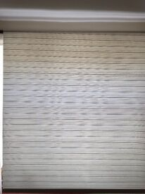 Roller blind blue and cream striped