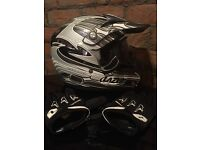 Lazer MX6 LTD Edition Motocross Helmet, Oakley Goggles + Gloves all in Excellent Condition!