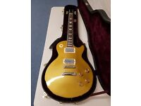 Gold top Les Paul Epiphone and Gibson Hardcase