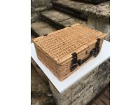 Wicker basket for lambretta vespa