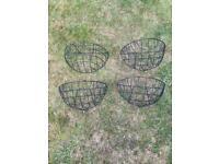 4 Garden wall hanging baskets