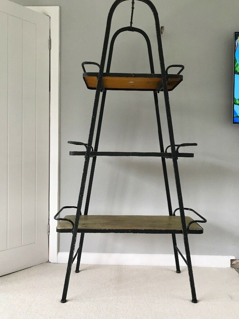 Industrial style shelving : A Frame