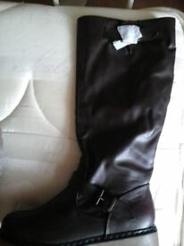 NEW LADIES LEATHER BOOTS