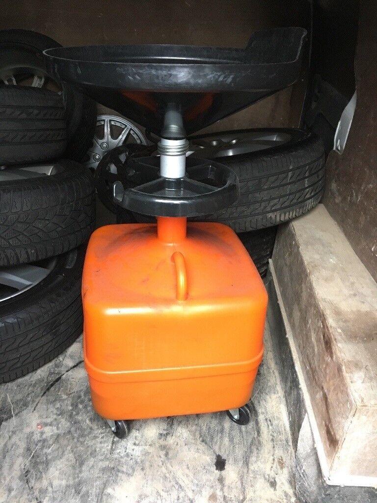 Oils waste drum catcher