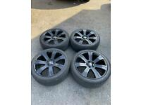 "Range Rover / Land Rover 22"" Alloy Wheels Gloss Black alloy wheels (just refurbished)"
