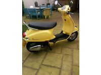 2014 125 Vespa scooter for sale