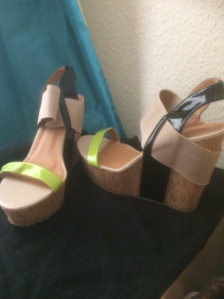 Dolci's wedge size 42