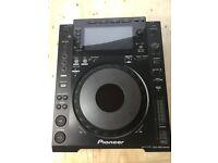 Pioneer CDJ-900 Nexus CD/MP3/USB Deck Nearly New! 1 of 2 decks