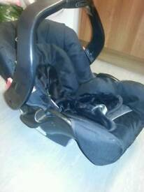 Graco New baby car seat.