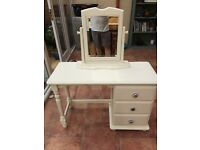 Beautiful solid pine shabby-chic dressing table with separate mirror.
