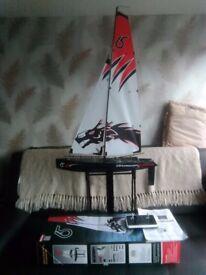 Dragon force 65 Racing sailboat RC