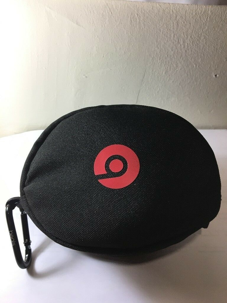 Beats solo 3 wireless gloss white used once