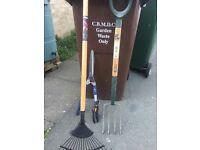 5 piece garden tools - Rake, Large Shears, Border Fork, pruning clippers, dandelion weeder