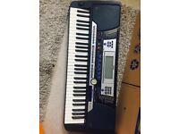 Yamaha PSR-540 midi keyboard, 61 keys, disk drive