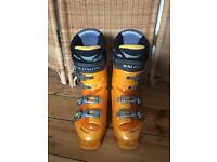 Salomon X Scream 7.0 Snow Ski Boots UK Size 9 Good Condition w/Boot Carry Bag