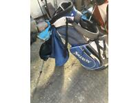 Srixen golf club bag freestanding