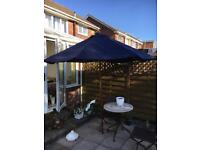 Navy solid wood parasol 2.7 m new