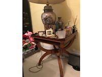 side table in excellent condition