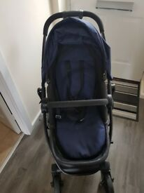 Graco evo pram in navy excellent condition from a smoke and pet free home with raincover and cosytoe