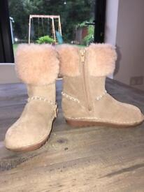 Clarks girls suede boots, size 7.5G